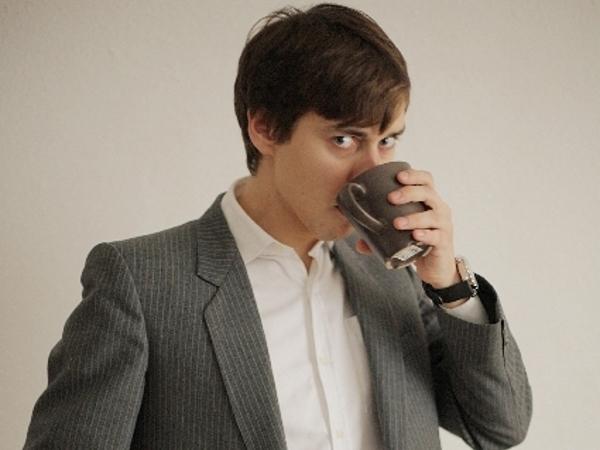 「コーヒーはブラックしか飲めないんだよね(キリッ)」