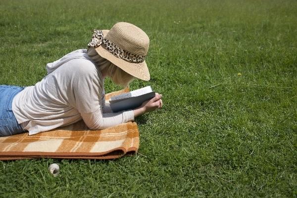 好みの異性の読んでいる本は、特に気になる……
