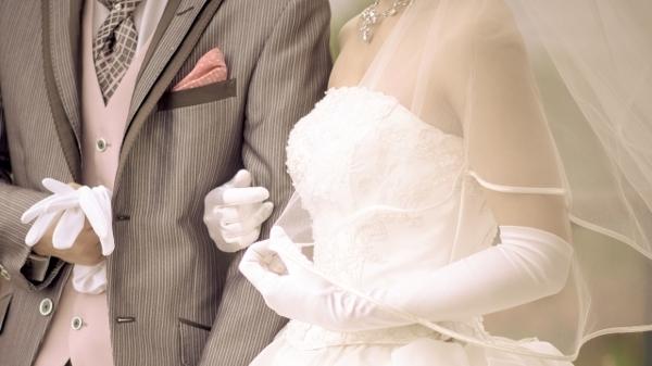 本人から、共通の友人から……元カレの結婚知らされたら?