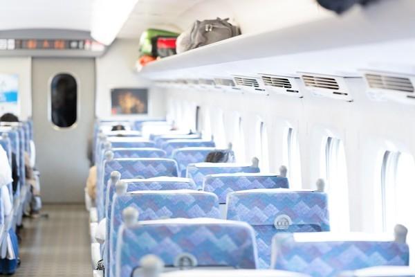 新幹線で過ごす時間はなんだか特別な気がする!