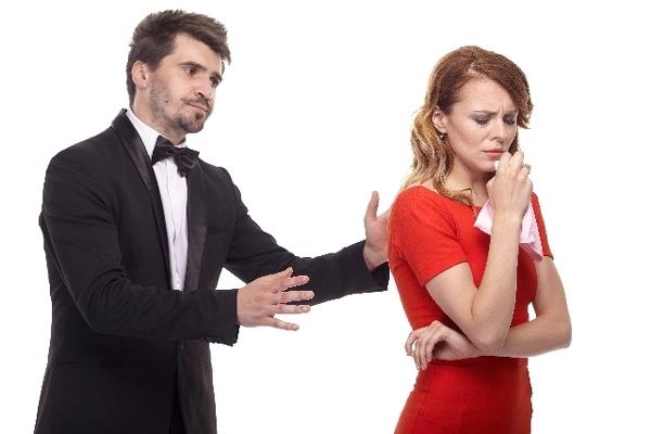 いつの時代も、男は女の涙に弱いもの?
