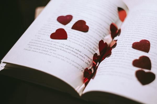 恋愛小説家に学ぶ「運命の出会い」を引き寄せる方法