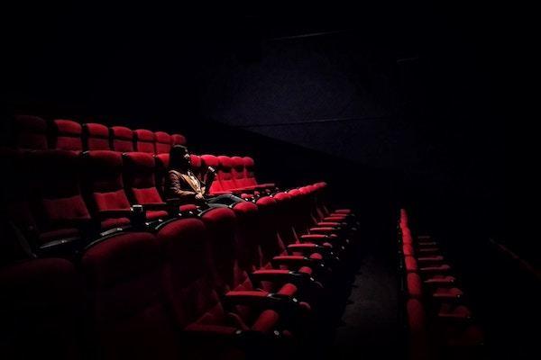 一人映画、してる?