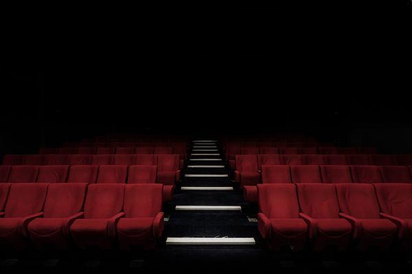 実は映画館が苦手…