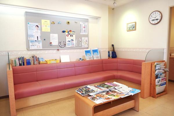 子どもの頃、病院の待合室でどんな本を読んでた?