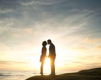 【一目惚れマニュアル】アプローチの仕方や男女の体験談を一挙紹介!