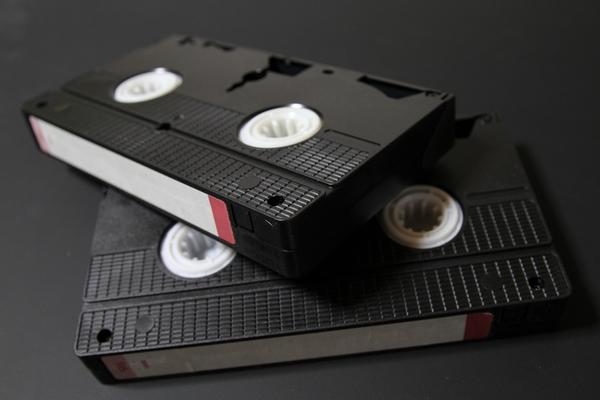 VHSテープ時代の思い出は?