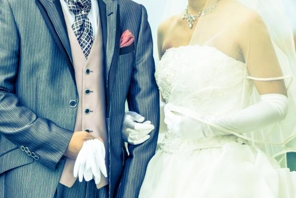 愛と幸せに満ちた結婚式のはずが……。