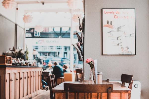 カフェを巡る恋のエピソード
